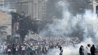 Manifestation de l'opposition à Caracas, au Venezuela, le 20 avril 2017. (JUAN BARRETO / AFP)