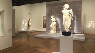 """Vue de l'exposition """"Le corps et l'âme"""" au musée du Louvre. (Manon Botticelli / Franceinfo Culture)"""