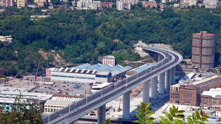 Le pont San Giorgio à Gênes, a été imaginé par le célèbre architecte Renzo Piano. (RICCARDO ARATA / MAXPPP)