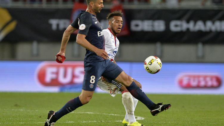 Thiago Motta et le PSG ont remporté le Trophée des Champions joué à Klagenfurt, face à Lyon (4-1). (SAMUEL KUBANI / AFP)
