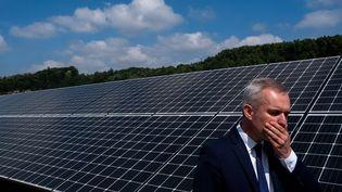 François de Rugy inaugure la centrale photovoltaïque de Quinipily, dans la commune de Baud (Morbihan), le 8 juillet 2019. (MARTIN BERTRAND / HANS LUCAS)
