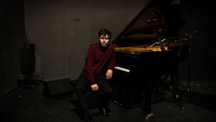 Le pianiste de jazz français Paul Lay, le 6 février 2020 à Paris. (CHRISTOPHE ARCHAMBAULT / AFP)