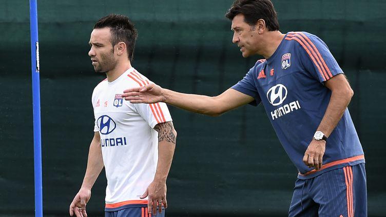 Mathieu Valbuena devrait débuter samedi face à Guingamp selon son coach Hubert Fournier (PHILIPPE DESMAZES / AFP)