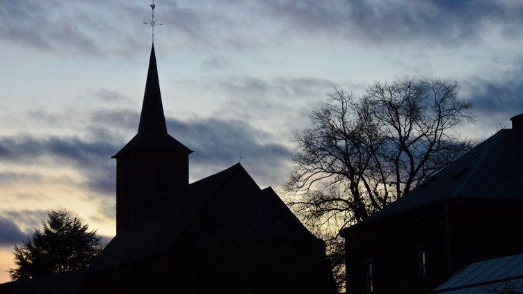 (Une église de nuit©MAXPPP)