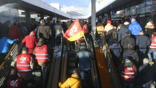 Desmanifestants à Saint-Nazaire (Loire-Atlantique), le 16 janvier 2020. (DAMIEN MEYER / AFP)