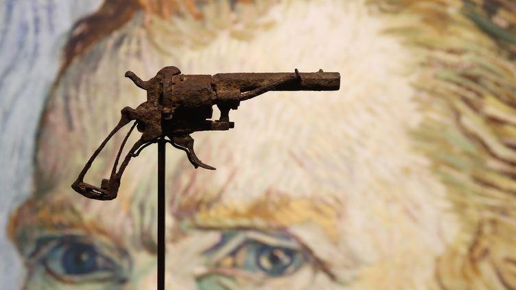 Le revolverrouillé de type Lefaucheux qui aurait servi à Van Gogh pour se suicider. (FRANCOIS GUILLOT / AFP)