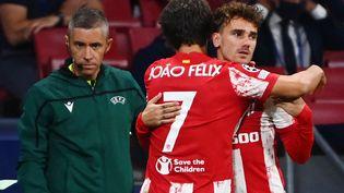 Antoine Griezmann a remplacé Joao Felix pour l'Atlético Madrid contre Porto, le 15 septembre 2021. (GABRIEL BOUYS / AFP)