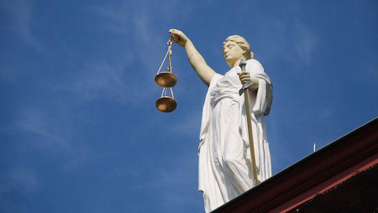 """Un médecin condamné à 10 millions d'euros pour un """"manque de vigilance"""" (Crédits Photo : © Pixabay / Edward Lich)"""