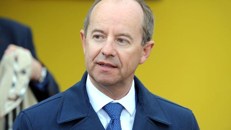 Jean-Jacques Urvoas, alors député PS du Finistère, le 25 août 2014sur l'île de Sein. (FRED TANNEAU / AFP)