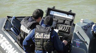 Prévenue par des témoins, la brigade fluviale a pu intervenir à temps. (ROGER ROZENCWAJG / PHOTONONSTOP / AFP)