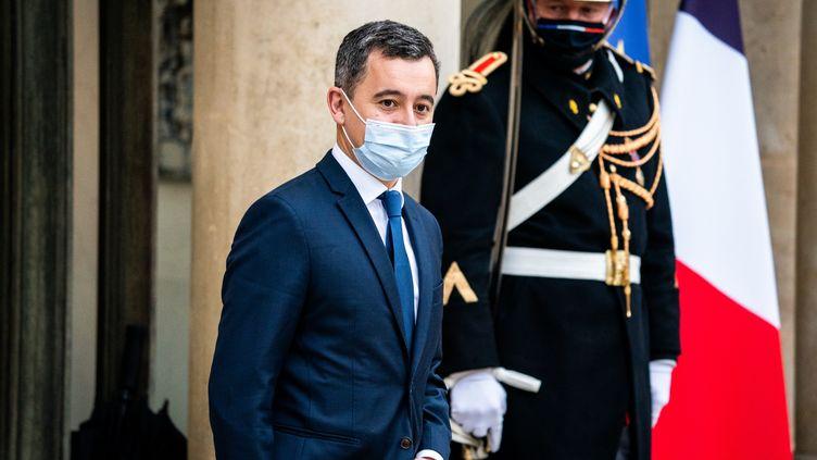 Le ministre de l'Intérieur Gérald Darmanin quitte l'Elysée, le 6 janvier 2021, à Paris. (XOSE BOUZAS / HANS LUCAS / AFP)