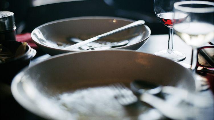 Un restaurant japonais de Louviers (Eure) va faire payer cinq euros aux clients qui ne terminent pas leur assiette. (HELENA BLOMQVIST / BILDHUSET / AFP)
