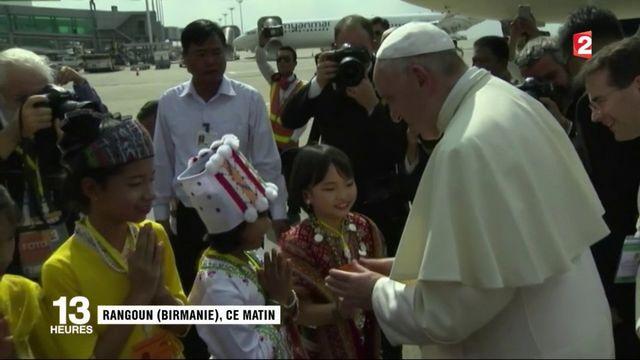Le pape François en Birmanie pour plaider la cause des Rohingyas
