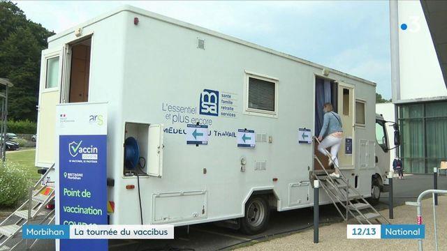 Morbihan : contre le Covid-19, un vaccibus atteint les coins reculés