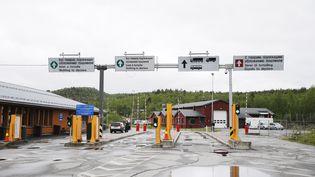 Le poste-frontière de Kirkenes, entre la Russie et la Norvège, en juin 2013. (CORNELIUS POPPE / AFP)
