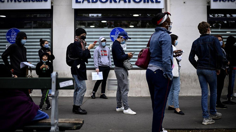 Covid-19 : quatre signes qui montrent que des reconfinements locaux se rapprochent en France