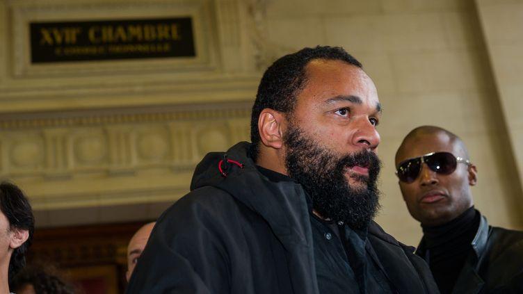 Dieudonné, au tribunal de Paris, le 19 octobre 2012. (MAXPPP)