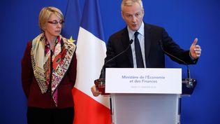 Bruno Le Maire s'exprime lors d'une conférence de presse sur l'affaire Lactalis, le 11 janvier 2018, au ministère de l'Economie, à Paris. (CHRISTIAN HARTMANN / REUTERS)