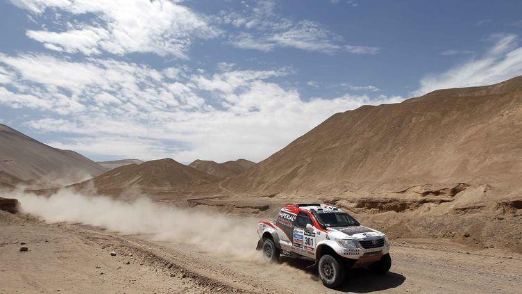 Le véhicule d'un participant au Dakar 2013, le 9 janvier,au Chili. (FREDERIC LE FLOC'H / AFP)