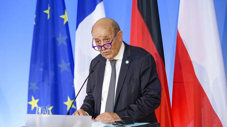 Le ministre des Affaires étrangères Jean-Yves Le Drian à Weimar (Allemange) le 10 septembre 2021. (JENS SCHLUETER / AFP)