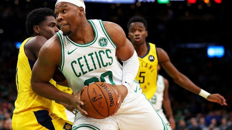Le Français Guerschon Yabusele, alors sous le maillot des Boston Celtics, le 9 janvier 2019 à Boston (Etats-Unis). (MADDIE MEYER / GETTY IMAGES NORTH AMERICA / AFP)