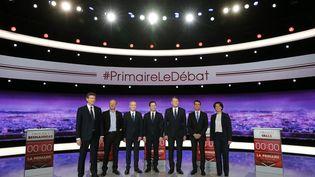 Arnaud Montebourg, Jean-Luc Bennahmias,François de Rugy,Benoît Hamon,Vincent Peillon, Manuel Valls,Sylvia Pinel : les sept candidats de la primaire de la gauche, le 12 janvier 2017 pour le premier de leurs débats télévisés. (PHILIPPE WOJAZER / AFP)