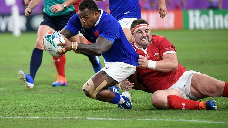Virimi Vakatawa inscrit un essai face aux Gallois en quart de finale de la Coupe du monde de rugby, le dimanche 20 octobre à Oita (Japon). (CHRISTOPHE SIMON / AFP)