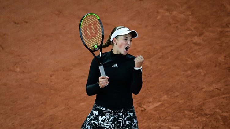 La joueuse de tennisJelena Ostapenko à Roland-Garros, à Paris, le 1er octobre 2020. (MARTIN BUREAU / AFP)