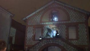 Les squatteurs qui occupaient la propriété d'un retraité toulousain (Haute-Garonne), ont quitté les lieux, jeudi 11 février. Les voisins se disent soulagés, et le propriétaire espère désormais pouvoir vendre sa maison pour financer son séjour en Ehpad. (France 3)