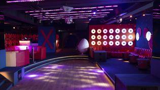Une discothèque vide, le 28 avril 2020, à Cannes (Alpes-Maritimes). (SYSPEO / SIPA)