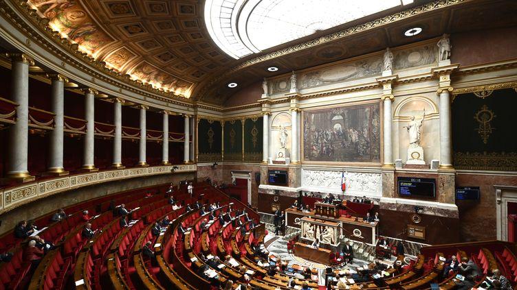 Les députés débattent du projet de loi bioéthique à l'Assemblée nationale, à Paris, le 25 septembre 2019. (PHILIPPE LOPEZ / AFP)