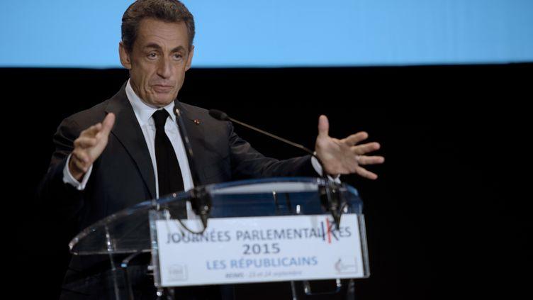 Nicolas Sarkozy prononce un discours lors de journées parlementaires des Républicains le 23 Septembre 2015 à Reims (DENIS CHARLET / AFP)