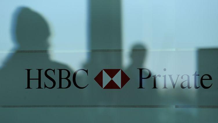 Une banque HSBC, à Genève (Suisse), le 9 décembre 2009. (FABRICE COFFRINI / AFP)