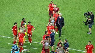 Aucune effusion de joie pour les Suisses après leur victoire contre la Turquie (3-1), dimanche 20 juin, à Bakou (Azerbaïdjan). (ORANGE PICTURES / ORANGE PICTURES / AFP)