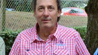 Une photo d'Hervé Cornana, victime de l'attentat en Isère, prise en juin 2014 à Fontaine-sur-Saône (Rhône). (LES MARRONNIERS VOISINS D'EN HAUT / AFP)