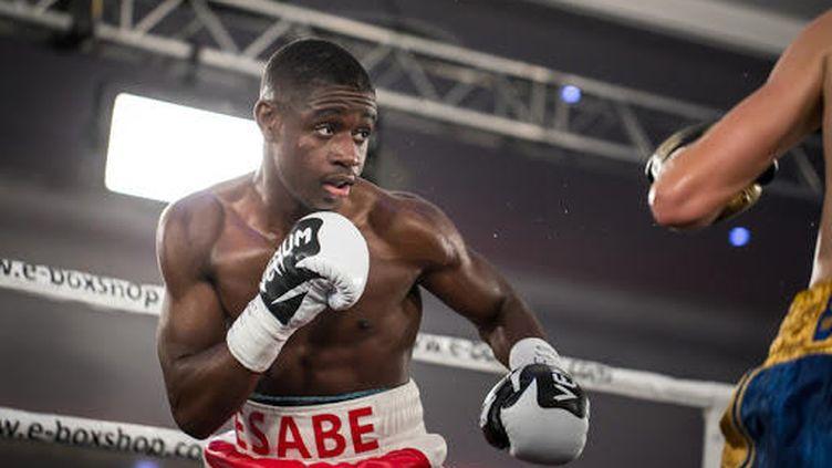 À 19 ans, le jeune Christ Esabe est l'un des grands espoirs de la boxe française.