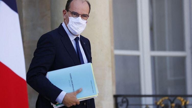 Le Premier ministre, Jean Castex, à la sortie du Conseil des ministres, le 22 septembre 2021. (THOMAS SAMSON / AFP)
