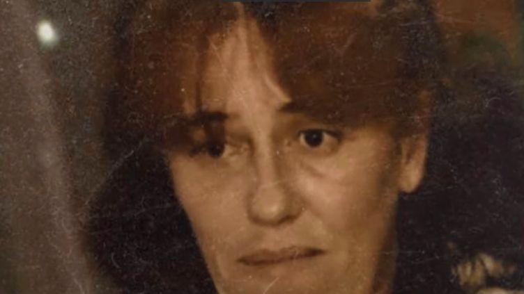 Cinq ans après avoir caché sa fille de 2 ans dans le coffre de sa voiture, Rosa-Maria Da Cruz comparaît lundi 12 novembre devant la cour d'assises de la Corrèze. Elle risque une lourde peine de prison. (FRANCE 3)