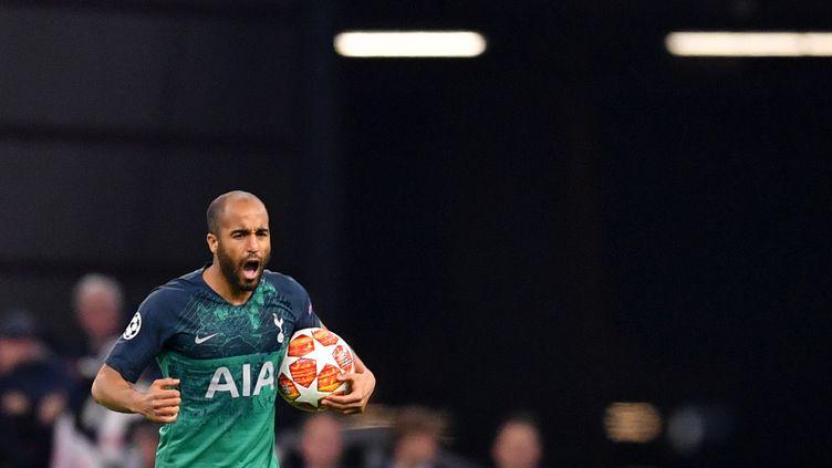 Le joueur de Tottenham, Lucas Moura, le 8 mai 2019 à Amsterdam (Pays-Bas). (MARIUS BECKER / DPA / AFP)