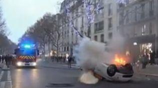 """Samedi 5 janvier était lehuitièmesamedi de mobilisation des """"gilets jaunes"""". La préfecture de police de Paris a décompté plusieurs milliers de manifestants. Les rassemblements étaient divisés en plusieurs groupes, avec à la clé de nouvelles scènes de violences. (FRANCE 2)"""