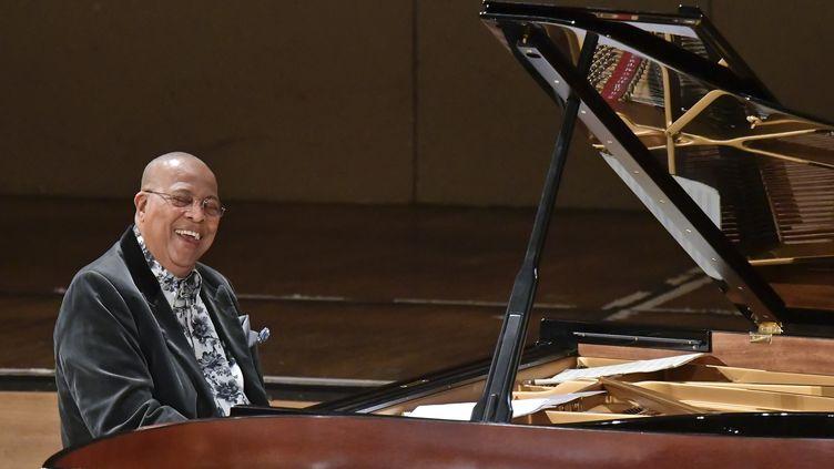 Chucho Valdés en concert en 2018. (HERBERT NEUBAUER / APA)