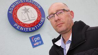 Emmanuel Baudin, secrétaire général de FO Pénitentiaire, le 10. octobre 2018 à Grasse. (PATRICE LAPOIRIE / MAXPPP)