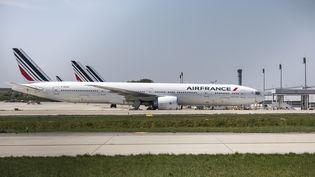 Les avions cloués au sol à l'aéroportRoissy-Charles-de-Gaulle, le16 avril 2020. (YANN CASTANIER / HANS LUCAS / AFP)