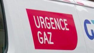 Un millier de foyers d'un quartier de Metz (Moselle) subissentdepuis plusieurs joursune coupure de gaz alors que les températures se rafraîchissent en France. Ces habitants ne peuvent plus se chauffer, et cela pourrait durer plusieurs jours. (France 2)
