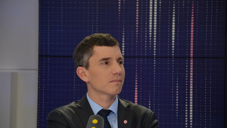 Bruno Studer, président LREM de la commission des Affaires culturelles à l'Assemblée nationale. (JEAN-CHRISTOPHE BOURDILLAT / RADIO FRANCE)