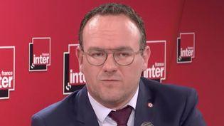 Le député Les Républicains Damien Abad, invité de France Inter, mardi 9 juin 2020. (FRANCE INTER / RADIO FRANCE)