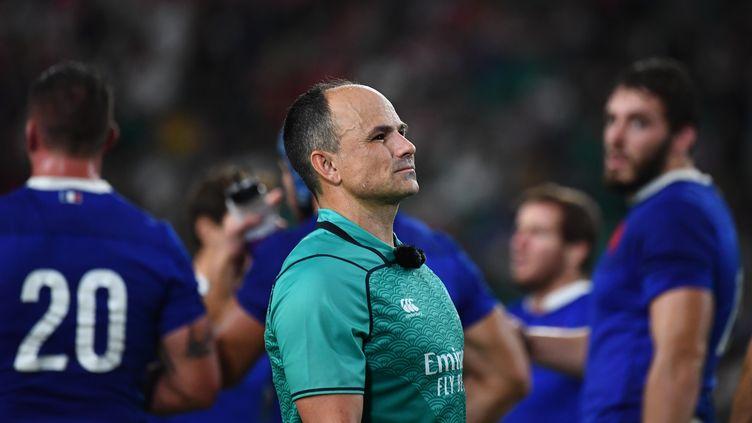 Jaco Peyer, l'arbitre du match Galles-France, à Oita (Japon), le 20 octobre 2019. (GABRIEL BOUYS / AFP)