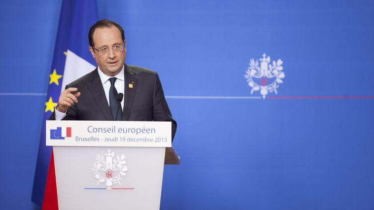 """François Hollande a expliqué, dans la nuitdu jeudi 19 au vendredi 20 décembre 2013 à Bruxelles que """"tout était fait pour inverser la courbe du chômage"""". (BERNAL REVERT / BELGA MAG)"""