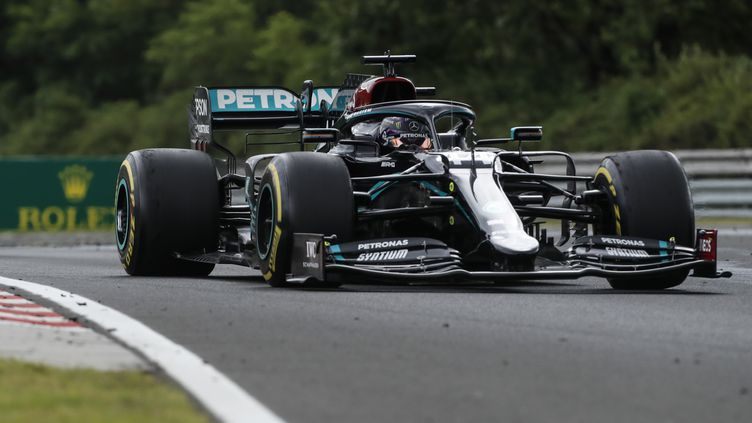 Lewis Hamilton (Mercedes) tentera de prendre sa revanche sur son coéquipier Valtteri Bottas vainqueur en Russie (DARKO BANDIC / POOL)
