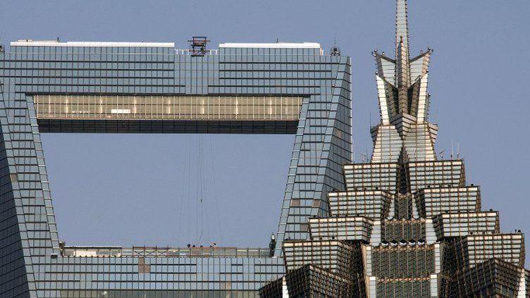 Parmi ces tours de Shanghai, le célèbre Shanghai World Financial Center (492 m) appelé «le décapsuleur». (BEAUVIR-ANA / ONLY WORLD / ONLY FRANCE)